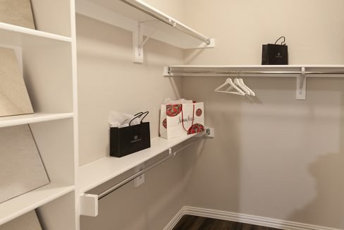 Camden Homes Red Oak, TX - walk-in closet