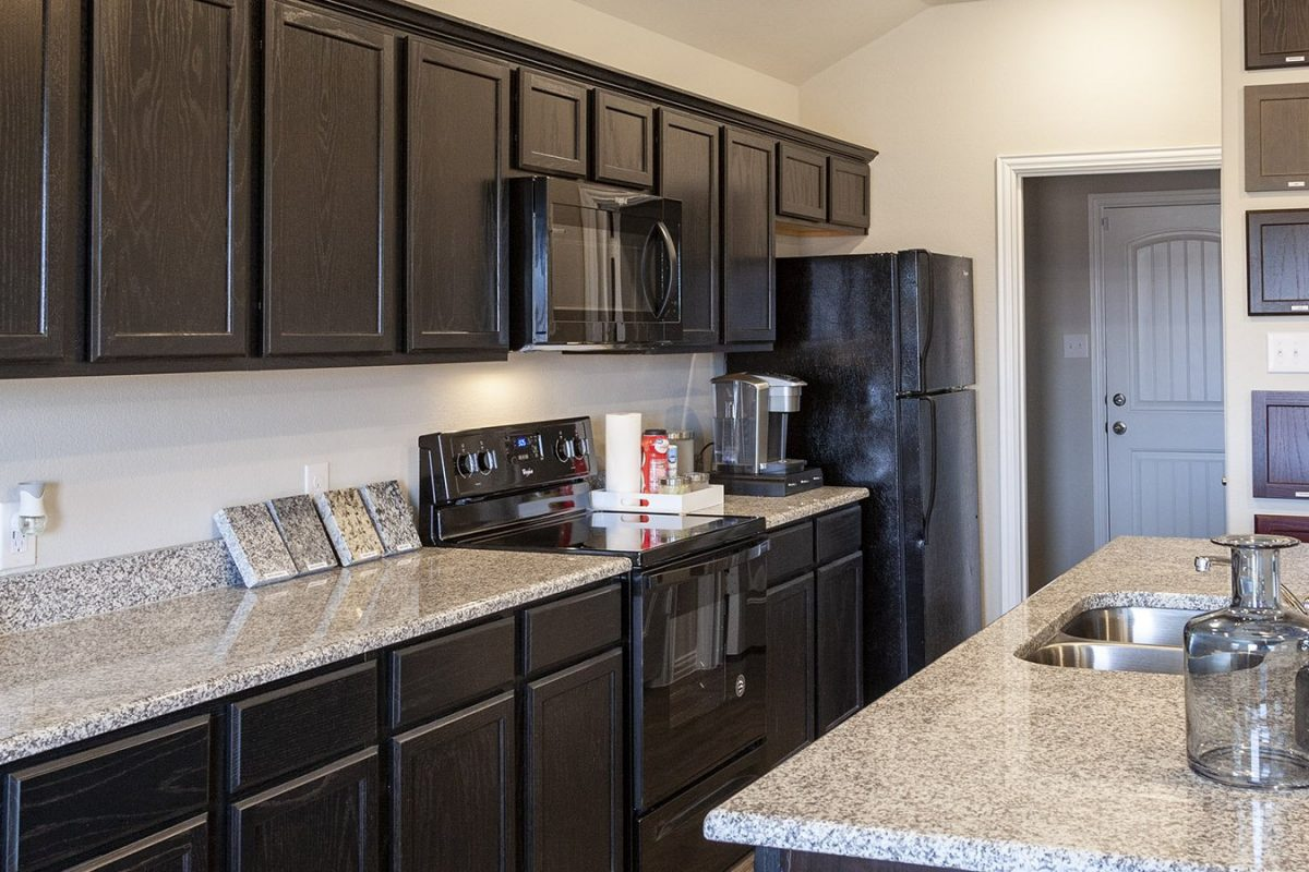 Camden Parks Farmersville, TX - Model kitchen